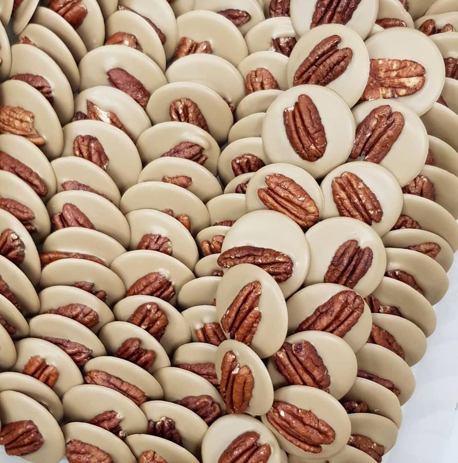 Ar muscovado cukuru karamelizētās šokolādes podziņas
